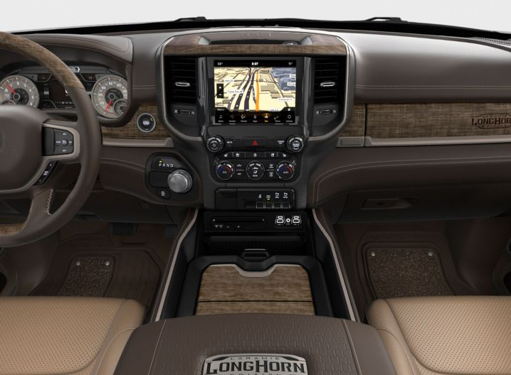 2019 Dodge Ram 1500 Longhorn Light Mountain Brown (kleuren)